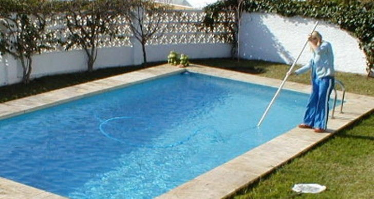 Swimming Pool Cleaning Solutions