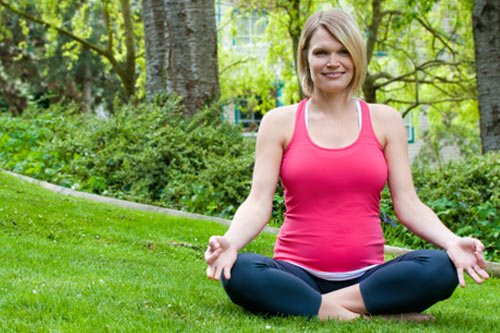 How Yoga Can Benefit Expecting Mothers